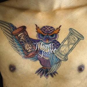 梟|砂時計のタトゥー