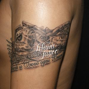 ドル紙幣のタトゥー