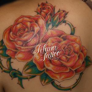 薔薇と荊棘のタトゥー