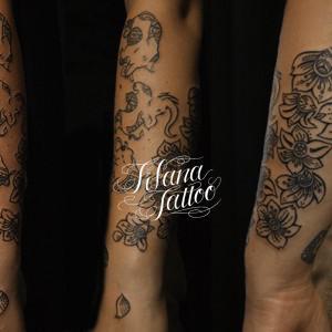 象と花のアジアン・タトゥー