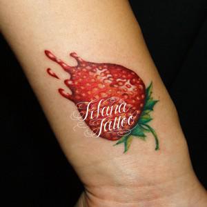 イチゴ|苺のタトゥー|刺青作品