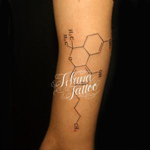 化学式のタトゥー