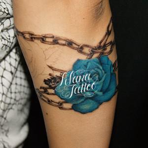 薔薇|チェーンのタトゥー