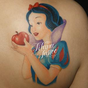 白雪姫のタトゥー