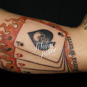 スカルのトランプ・タトゥー