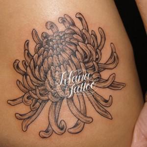 菊の刺青作品