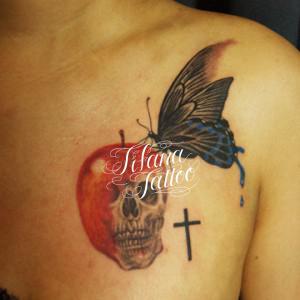 蝶|リンゴ・スカルのタトゥー
