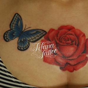 蝶と薔薇のタトゥー