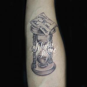 砂時計のタトゥー|刺青作品画像