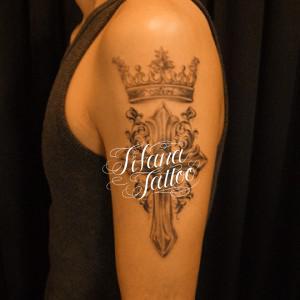 クロス|王冠のタトゥー