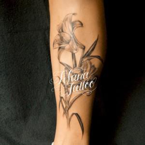 百合のタトゥー