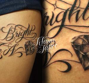 文字とダイヤのタトゥー