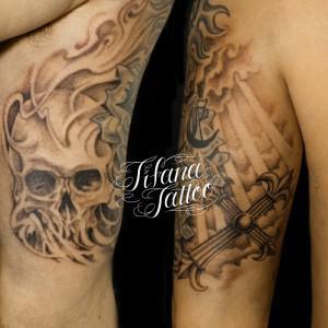 スカル|クロスのタトゥー
