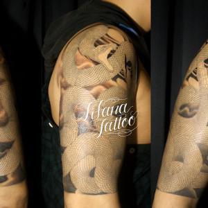 五分袖の蛇の刺青作品|製作中