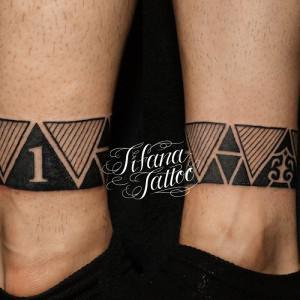 三角形のトライバルタトゥー