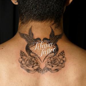 燕と薔薇のシンメトリー・タトゥー