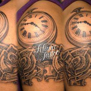 マネーローズ|懐中時計のタトゥー