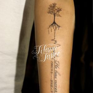 樹木|枝|心電図|文字のタトゥー