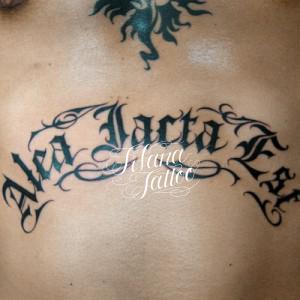 ラテン語のタトゥー