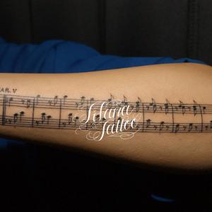 楽譜のタトゥー