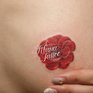梅の花のタトゥー