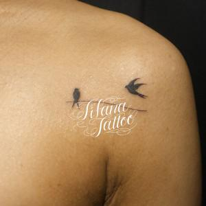 小鳥と枝のワンポイントタトゥー