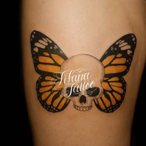 スカル|蝶のタトゥー
