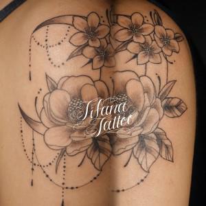 花|月|オーナメントのタトゥー