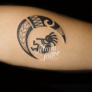 ココペリと月の民族タトゥー