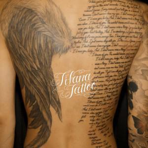 羽|翼と文字のシンメトリータトゥー