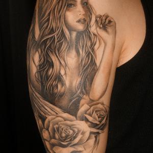 女神と薔薇のチカーノタトゥー